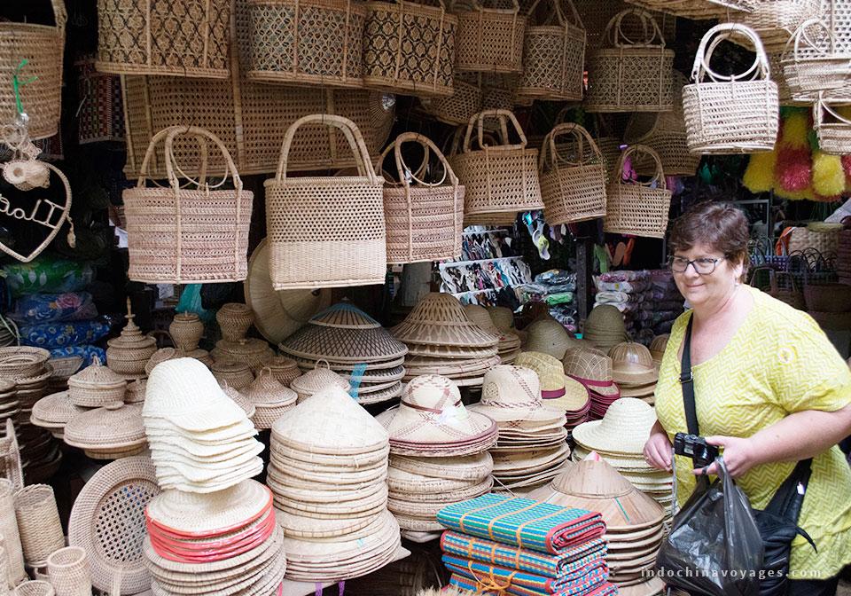 Shopping-in-Hanoi