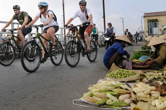 Hanoi Cycling Tour Indochina Voyages
