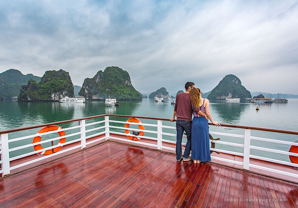 Ha-long-bay-tour-from-ninh-binh