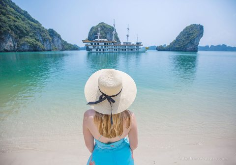 Halong-Bay- overview
