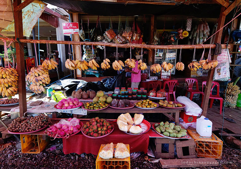 visit-local-market-in-Laos