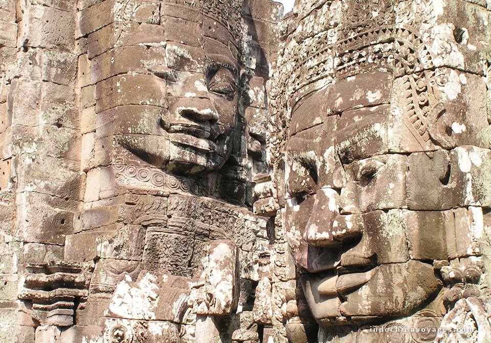 Two_Khmer_Heads-Angkor_Wat