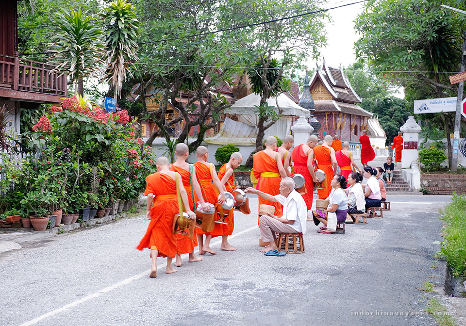 early-morrning-in-Luang-Prabang