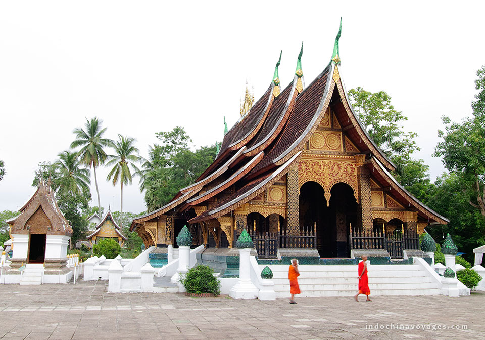 Visit Wat Xieng Laos