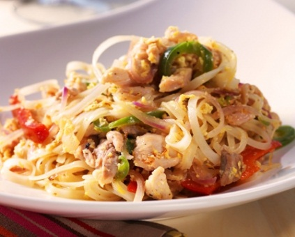 Good-looking Lemongrass Chicken Pad Thai