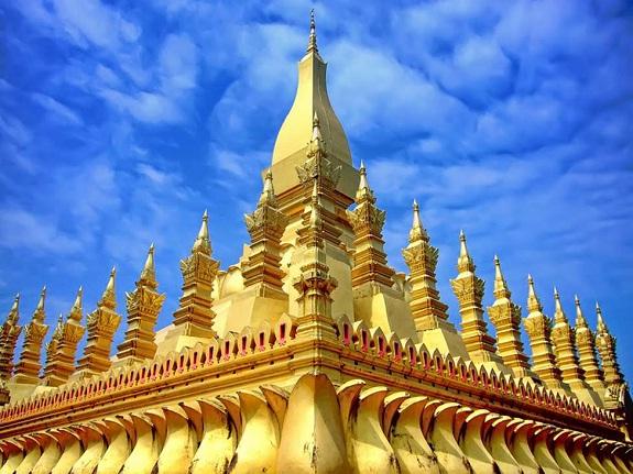 Gracious looking Pha That Luang