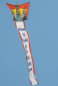 Kites reiterate Vietnam's sovereignty over Hoang Sa soar