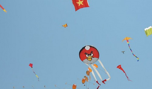 Kites reiterate Vietnam's sovereignty over Hoang Sa