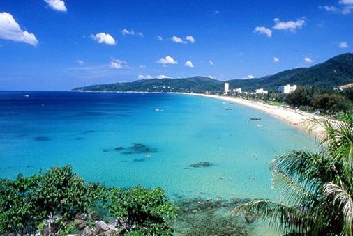 Take a glimpse at the beach