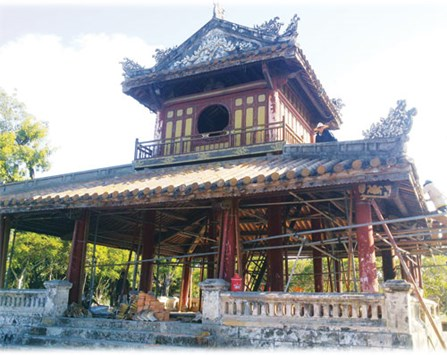 Partly-collapsed historic pavilion repaired in central Vietnam
