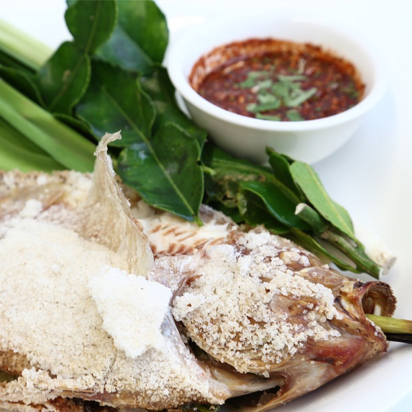 Salted-crusted Tilapia (pla pao)