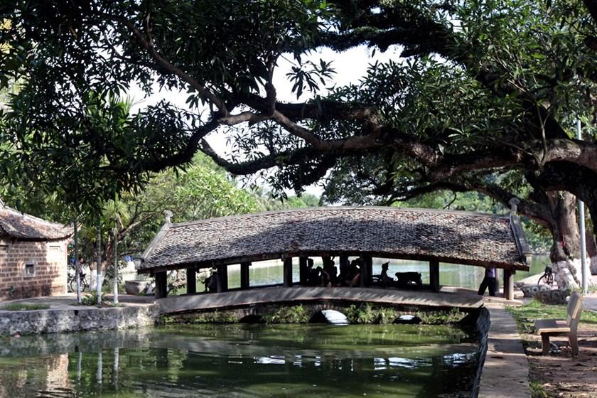 Bridges in Thay Pagoda in Hanoi