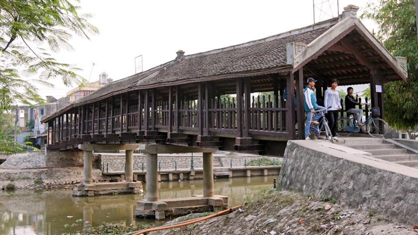 Phat Diem bridge