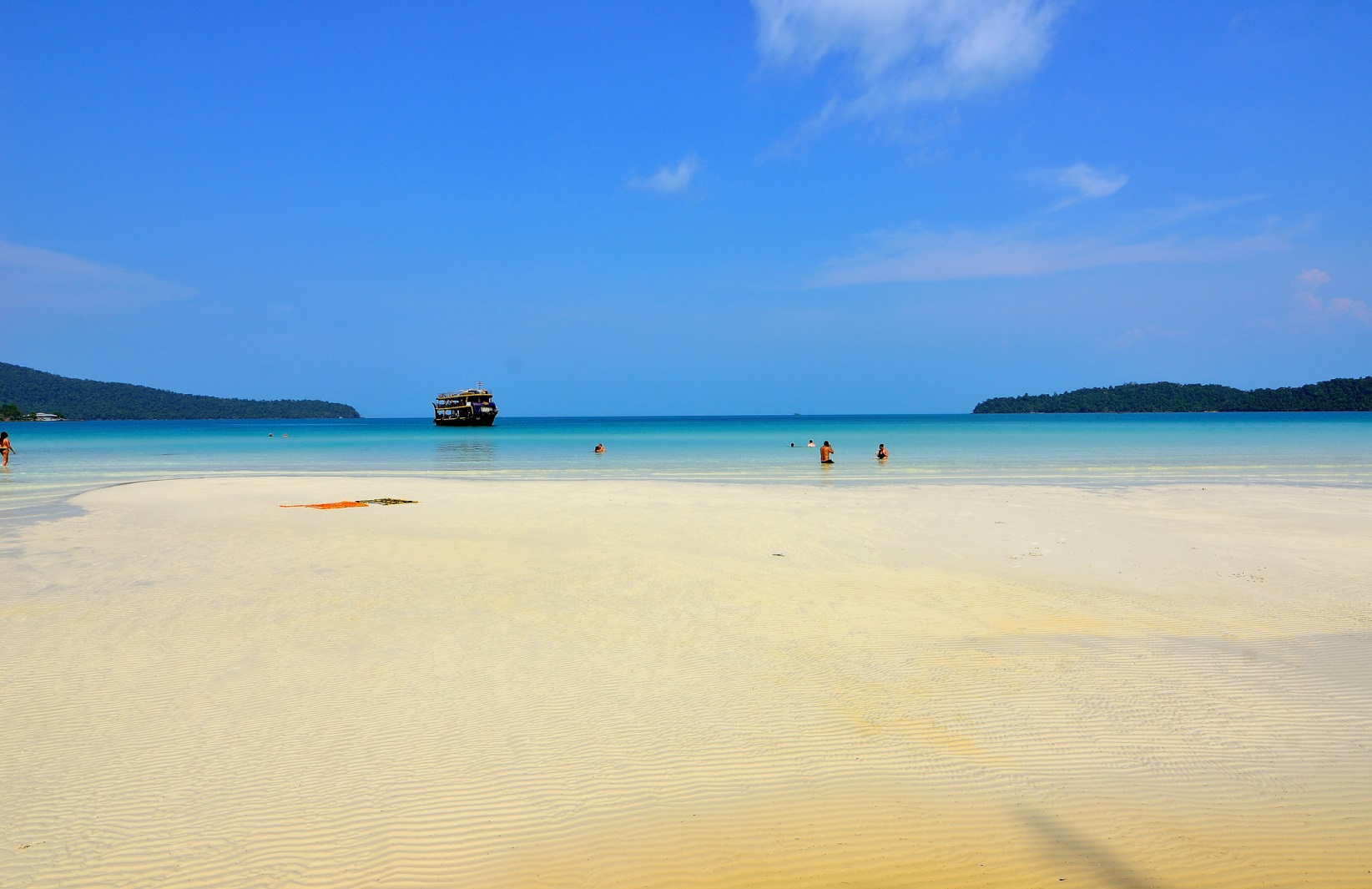 A crystal-clean beach in Sihanouk