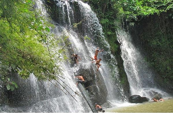 Chaa Ong waterfall