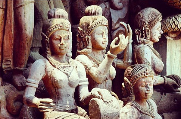 Sculptures of Prasat Sajjatham