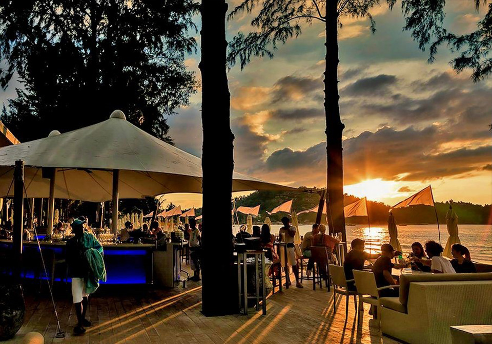 beach clubs in Patong