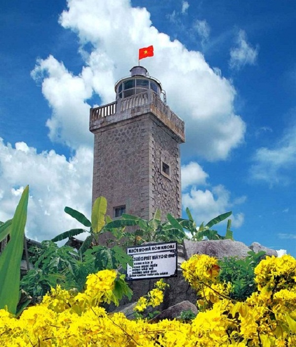The lighthouse on the Hon Khoai island- a revolutionary site