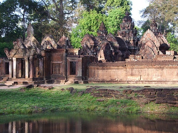 Ancient beauty of Banteay Srei Temple