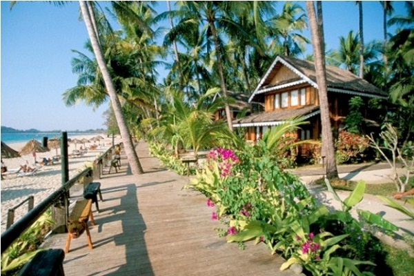 A luxury cottage in Ngapali beach