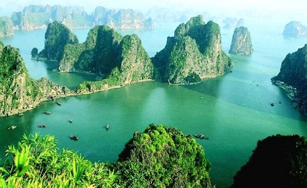 Halong Bay in a sunny day