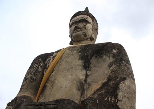 The huge statue of Buddha