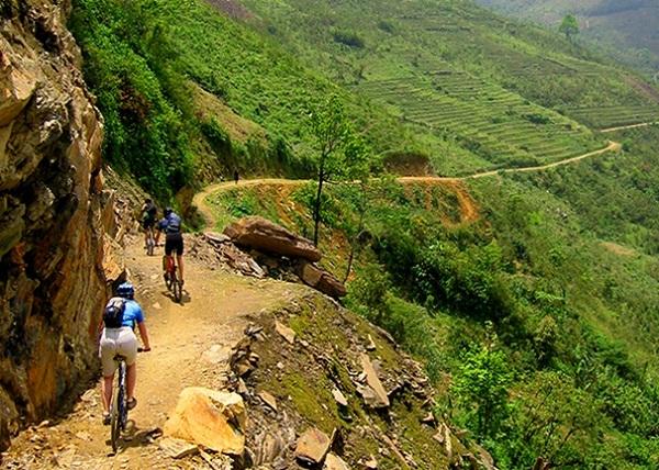 Travelers can enjoy many breathtaking views in their biking tours
