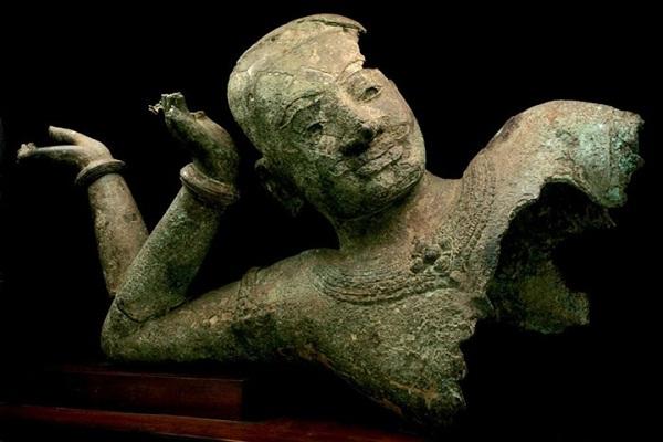 Reclining Vishnu statue