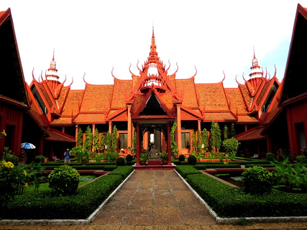 National museum in Phnom Penh, Cambodia – An attraction to discover