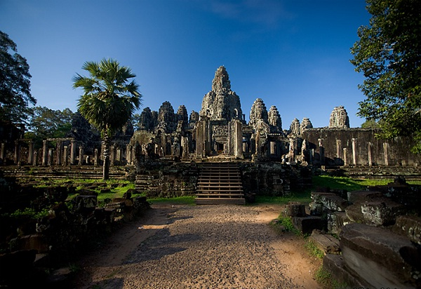Bayon Temple – The mystery surrounding 200 stone massive faces