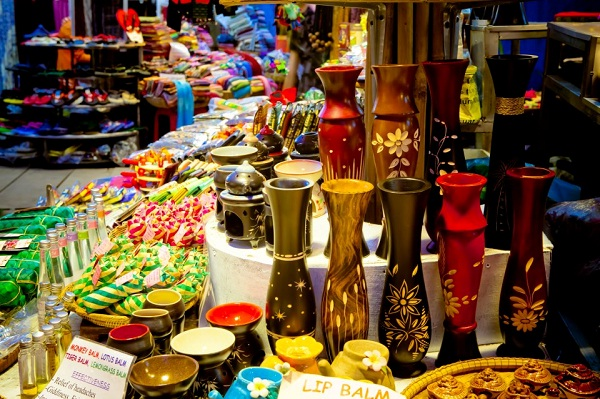 The souvenirs in Siem Reap is very beautiful and cheap