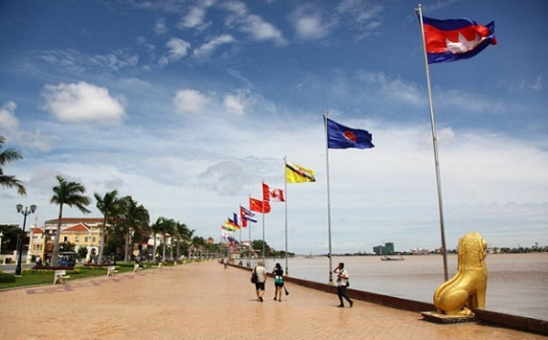 Sisowath Quay, Phnom Penh, Cambodia – Have you checked it out?