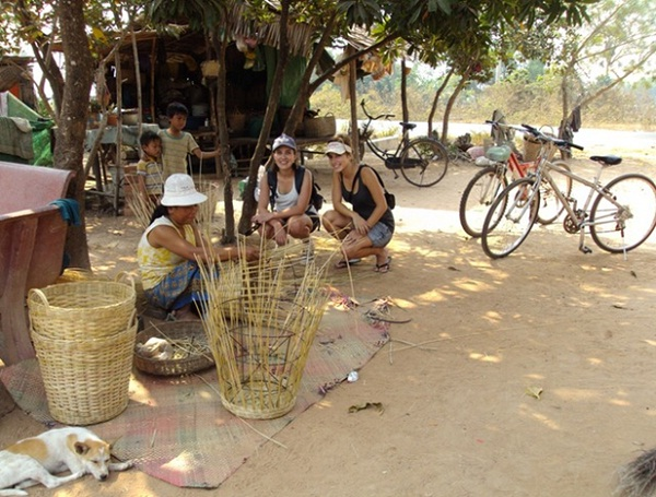 Visit the handicraft family to watch how they make baskets