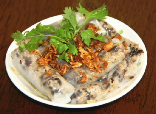 Enjoy hot steamed rolled rice pancake with chicken, shrimp, pork or egg