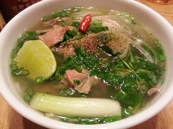 Phở Bò – a not bad suggestion for your breakfast in Hanoi