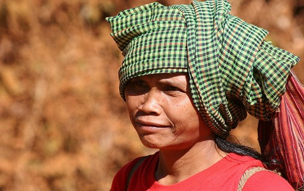 A Cambodian old woman wearing the Krama as a head-wrapping