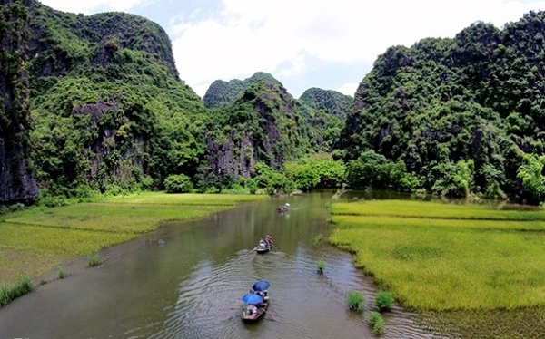 Tam Coc - one of the most tourist attractions in Ninh Binh