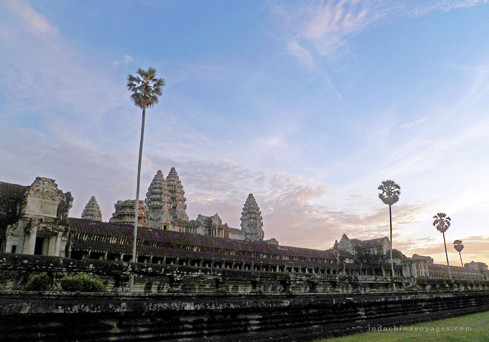 Admiring the panoramic picture of Angkor Wat