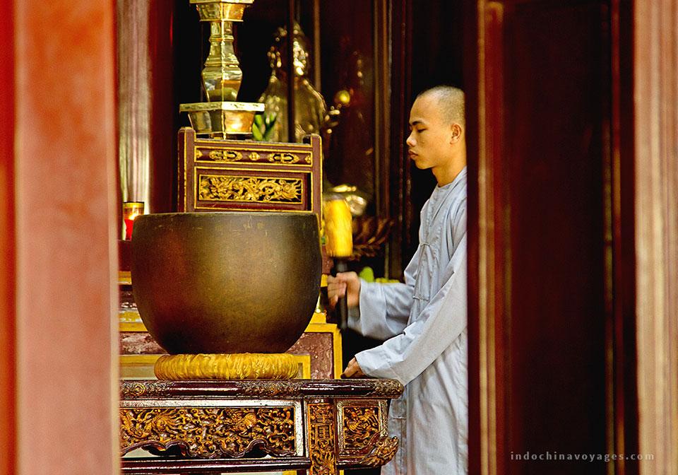 Visit Thien Mu Pagoda- Hue