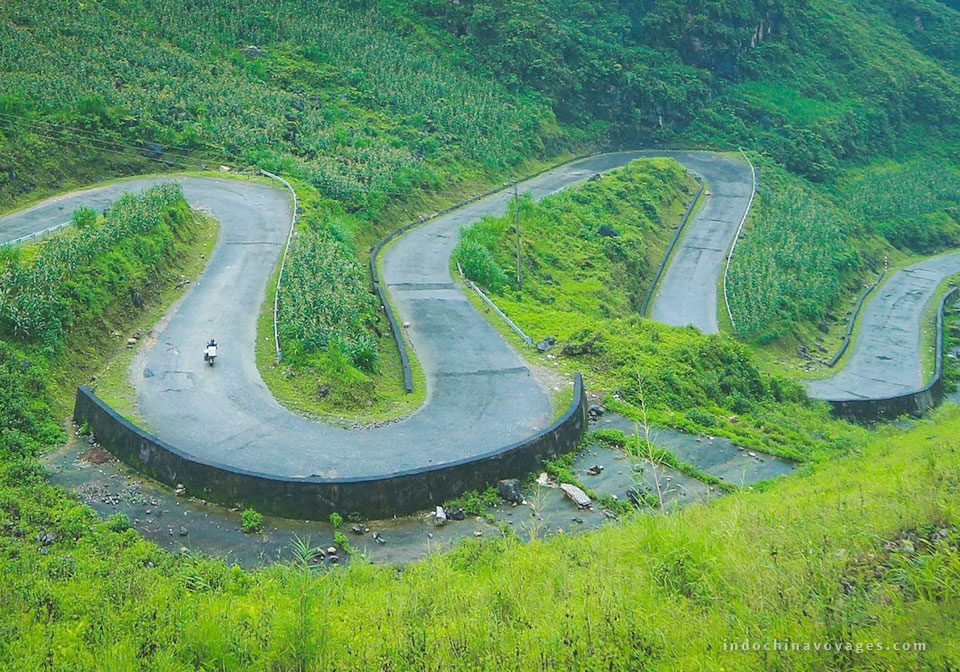 Conquering Ma Pi Leng Pass in Hagiang