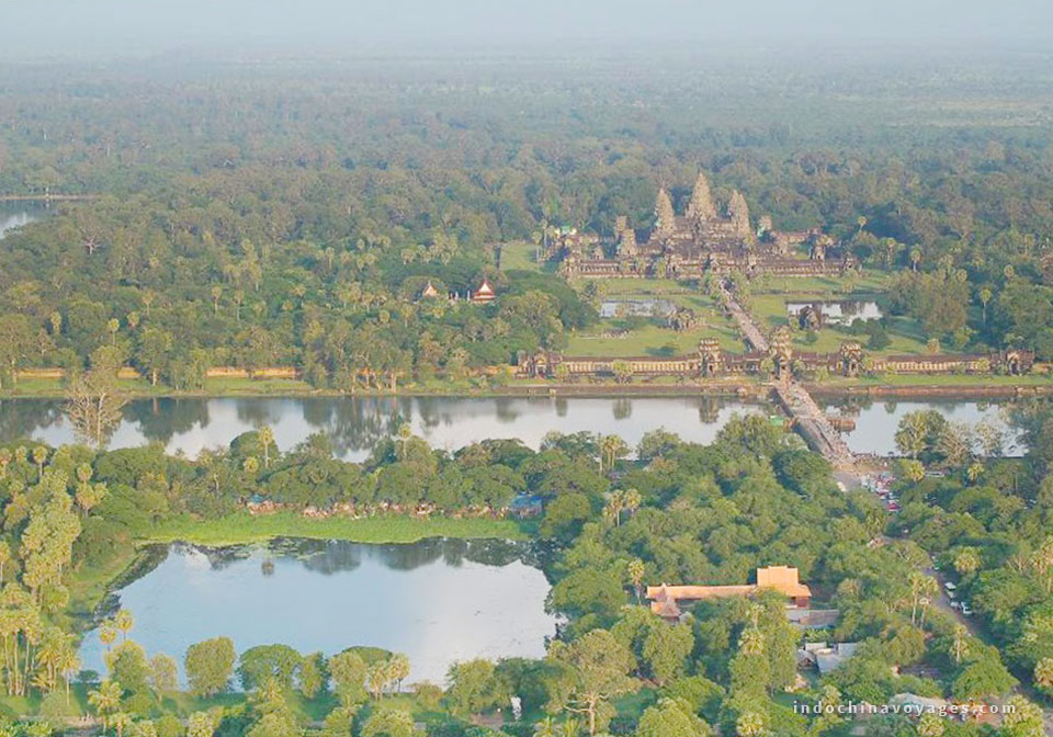 A more spectacular Cambodia seen from Angkor Wat hot air balloon