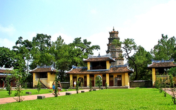Thien Mu Pagoda is situated on Ha Khe hill