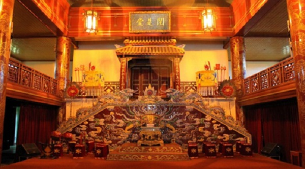 Inside Duyet Duong Thi – the royal theater for the Emperors of Nguyen Dynasty