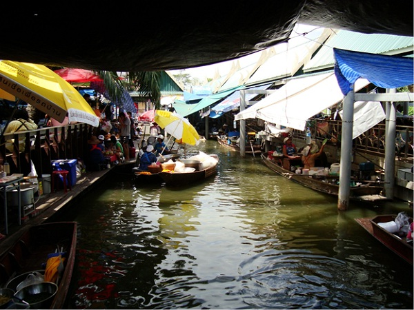 Tailing Chan Floating Market