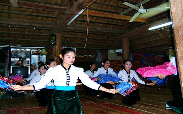 Dances are originated from production activities and daily living practices locals