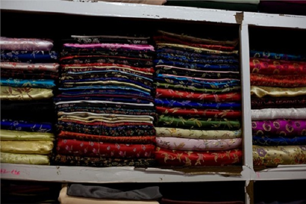 Silk fabrics come with various colors and patterns