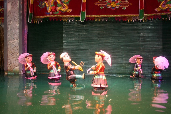 A funny water puppet performance of talented artisans