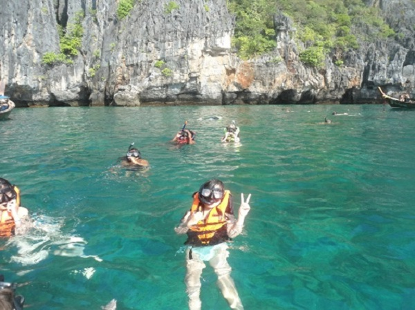 Take part in exciting activities at Koh Phi Phi