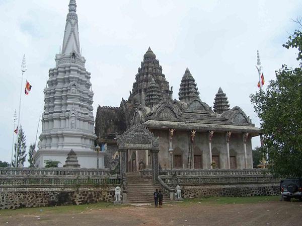 Wat Phnom Pros