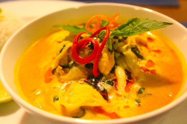 Spicy Khmer red curry